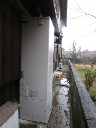 T様邸:エコキュート設置工事