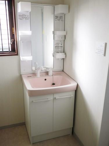 築35年戸建の洗面所リフォームのご紹介です。