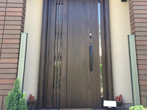 築22年戸建ての玄関リフォームのご紹介です。