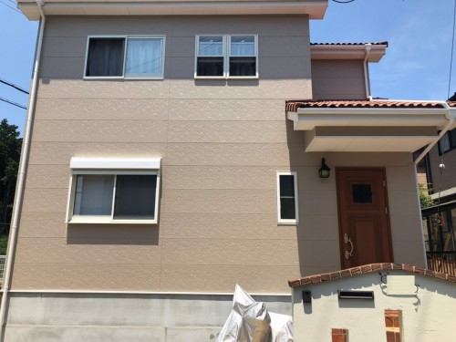 築14年戸建の外壁塗装工事のご紹介です。