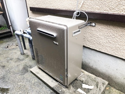 築28年戸建のガス給湯器交換工事のご紹介です。