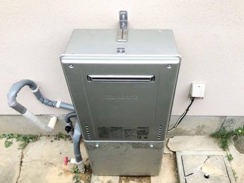 築40年戸建のガス給湯器交換工事のご紹介です。