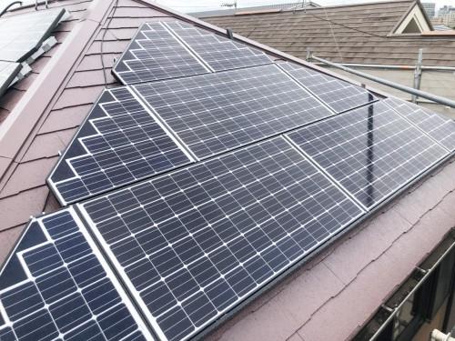 築16年戸建ての太陽光パネル設置工事のご紹介です。