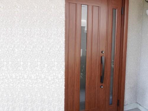 築31年戸建の玄関ドア入替工事のご紹介です。