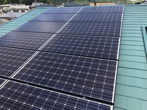 戸建ての太陽光パネル設置工事のご紹介です。