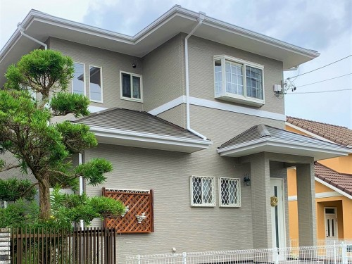 築21年戸建ての外壁屋根塗装工事のご紹介です。