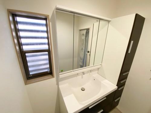 築38年戸建ての洗面所リフォームのご紹介です。