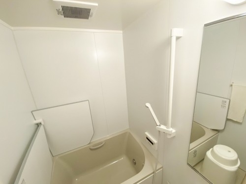 断熱仕様で暖かい浴室へ