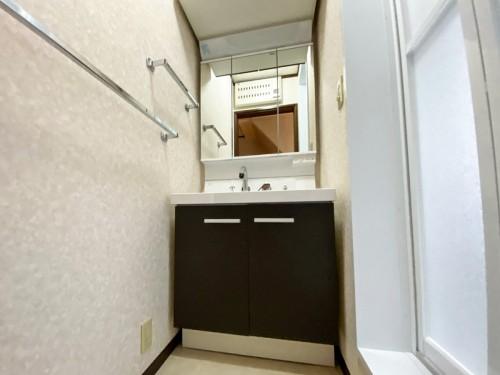 戸建ての洗面所リフォームのご紹介です。