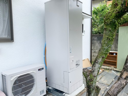 築41年戸建ての給湯器交換・エコキュート設置工事のご紹介です。