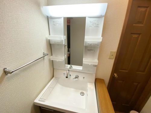 築20年戸建ての洗面所リフォームのご紹介です。