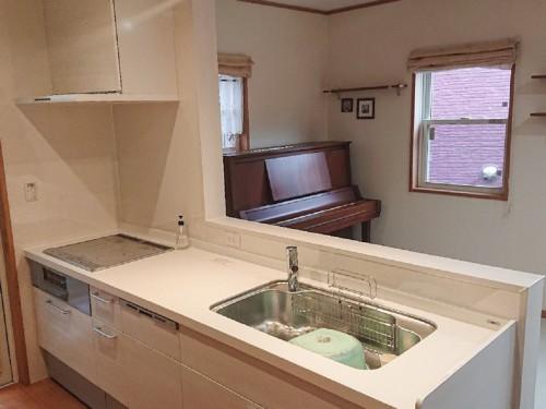 築13年戸建てのキッチンリフォームのご紹介です。