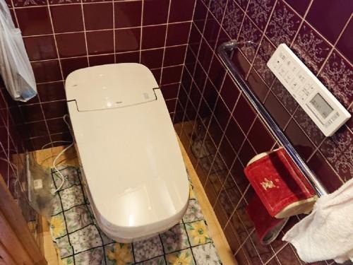 戸建てのトイレリフォームのご紹介です。