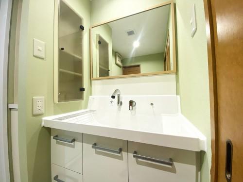 マンションの洗面所リフォームのご紹介です。