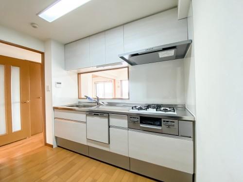 マンションのキッチンリフォームのご紹介です。