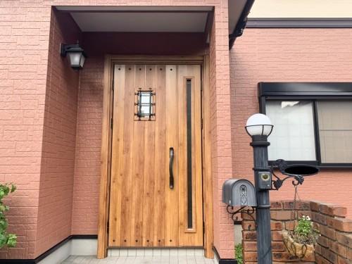 築20年戸建ての玄関リフォームのご紹介です。